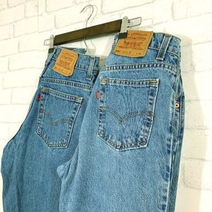 2 pairs of 506 Levi jeans size 6 straight leg!